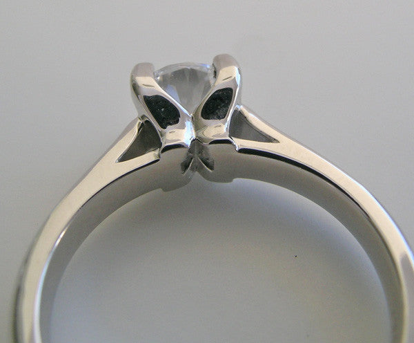 WHITE GOLD CLASSIC FOUR PRONG ENGAGEMENT RING SETTING OR REMOUNT RING