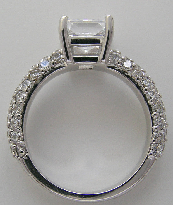 FEMININE DIAMOND PRINCESS CUT ENGAGEMENT RING SETTING