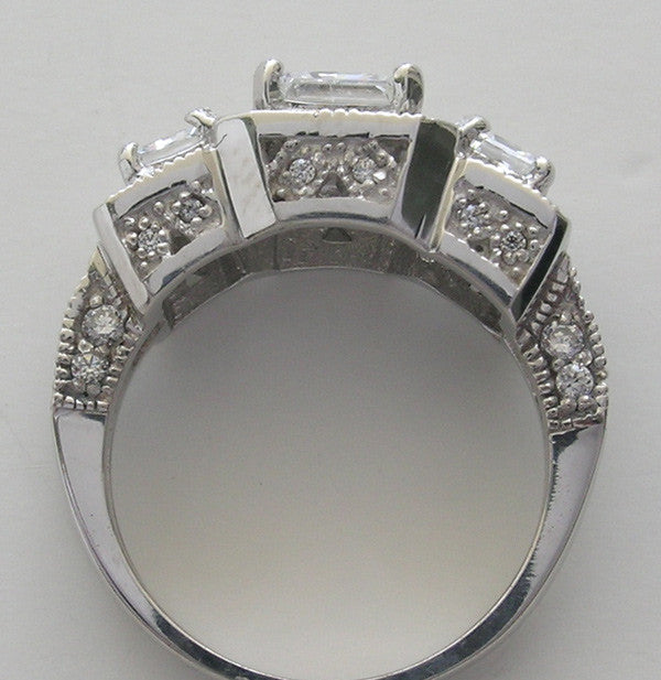 IMPORTANT OUTSTANDING THREE STONE DIAMOND RING SETTING