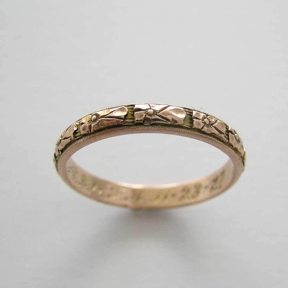 ANTIQUE 14K GOLD HAND CARVED WEDDING BAND CIRCA 1927 Engagement