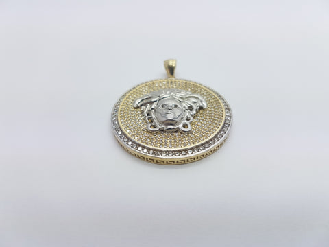 Medusa Head With Shiny Round Shaped 10K Solid Yellow Gold Men Pendant