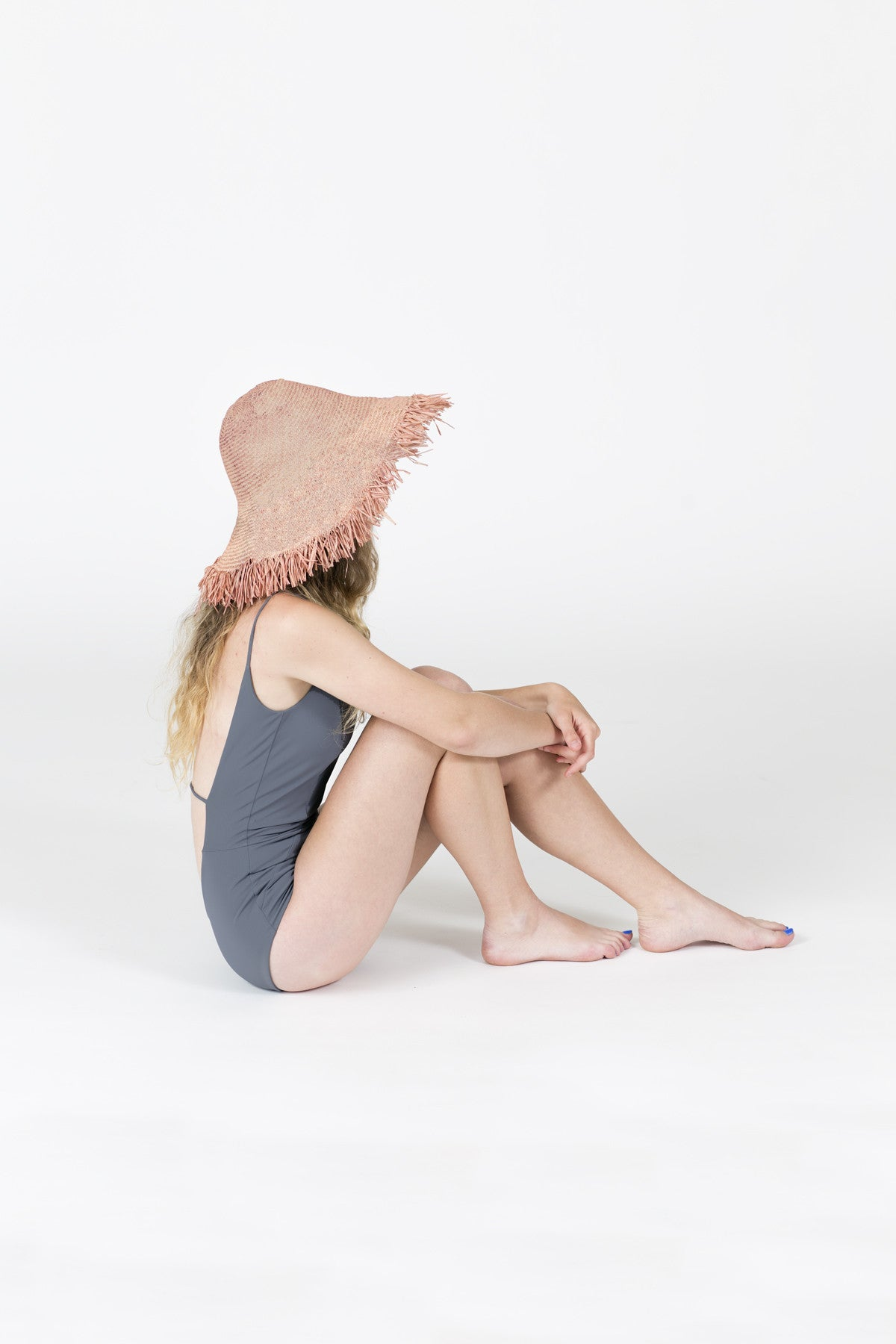 NATURALLY DYED CABANA HAT