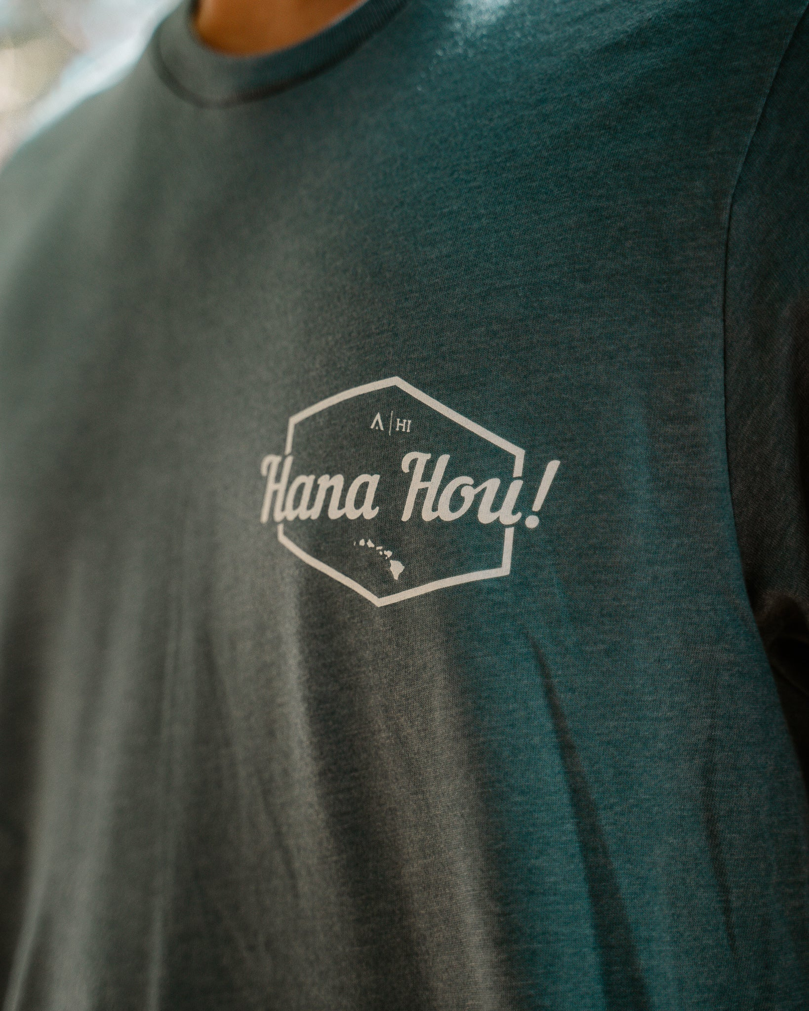 Hana Hou left chest print shirt