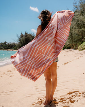 Beach Towel Kaimana - Womens Pink Coral Sueded Microfiber Beach Towel