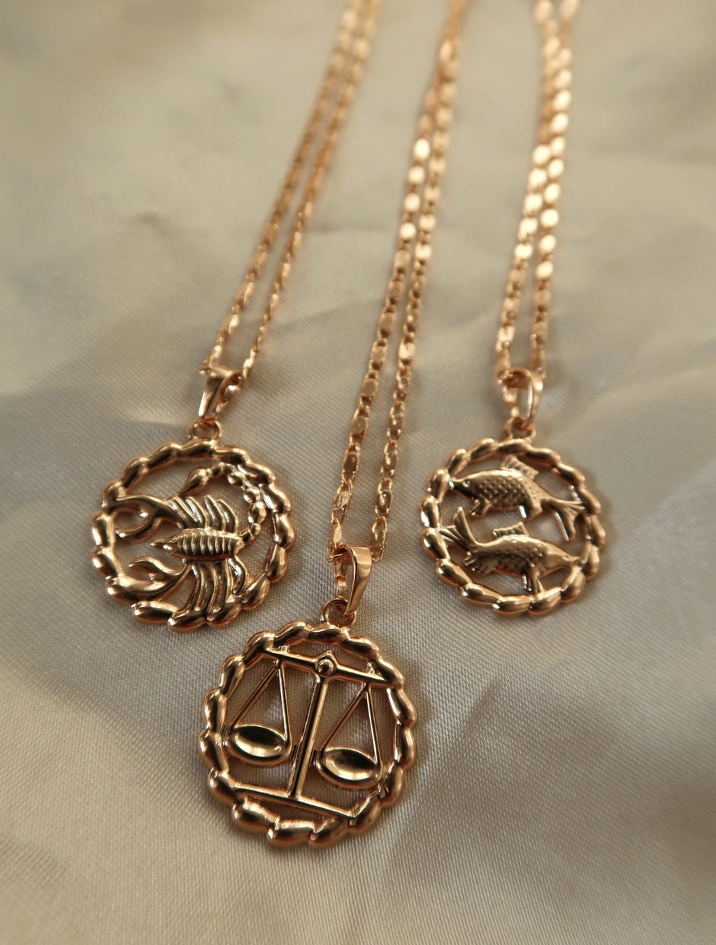 18K II ZODIAC PENDANT NECKLACE - Esah and Co