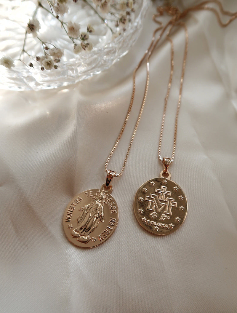 18K GOLD PLATED TERESSE MEDALLION PENDANT NECKLACE - Esah and Co