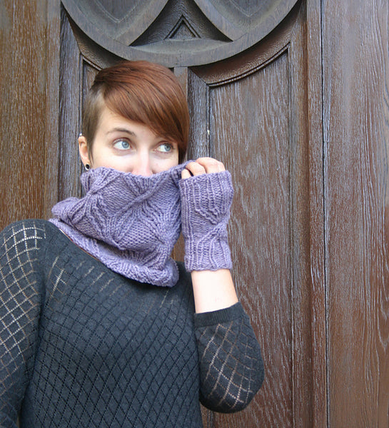 Interlaced Cowl pattern from Kira K Designs