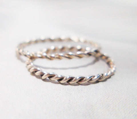 14K White Solid Gold Simple Twist Ring