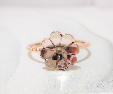 Solid 14K Fleurette Ring // Gold Flower Ring