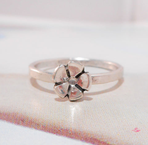 Little Wildflower Ring // Sterling Silver