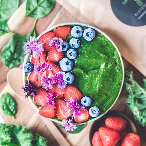 alkalising green smoothie bowl