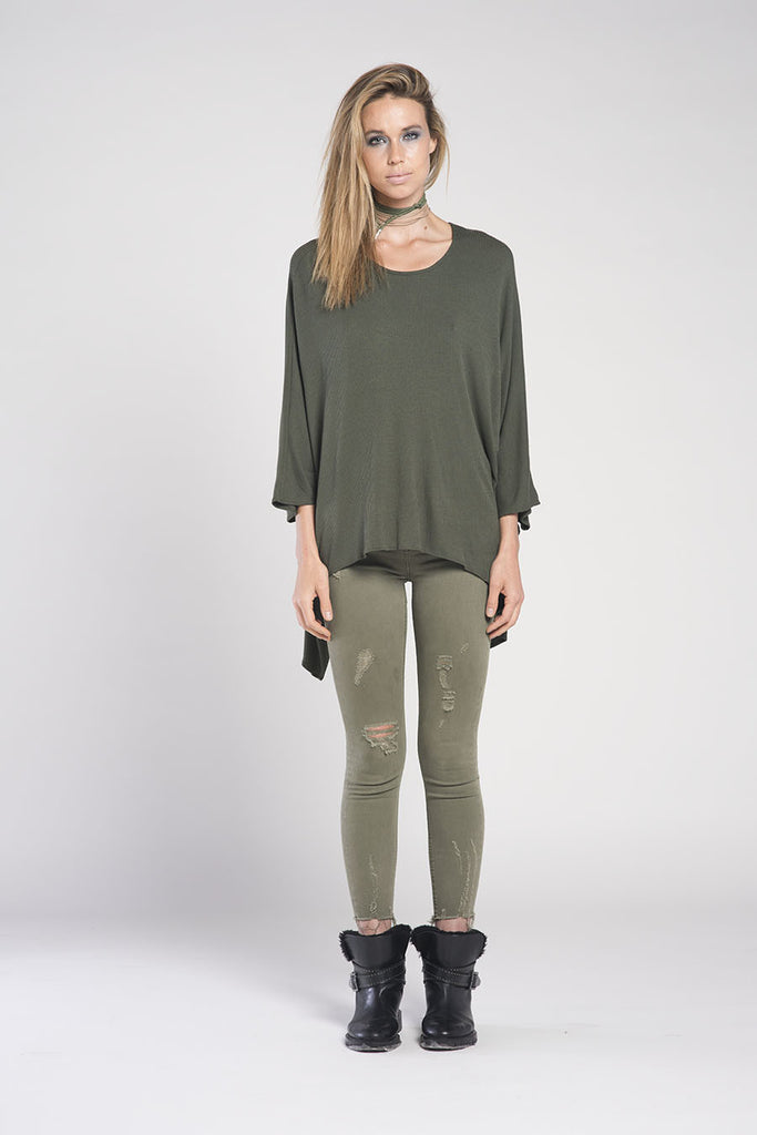 PONCHO DOUBLE EDGE SCOOP NECK RIB TOP