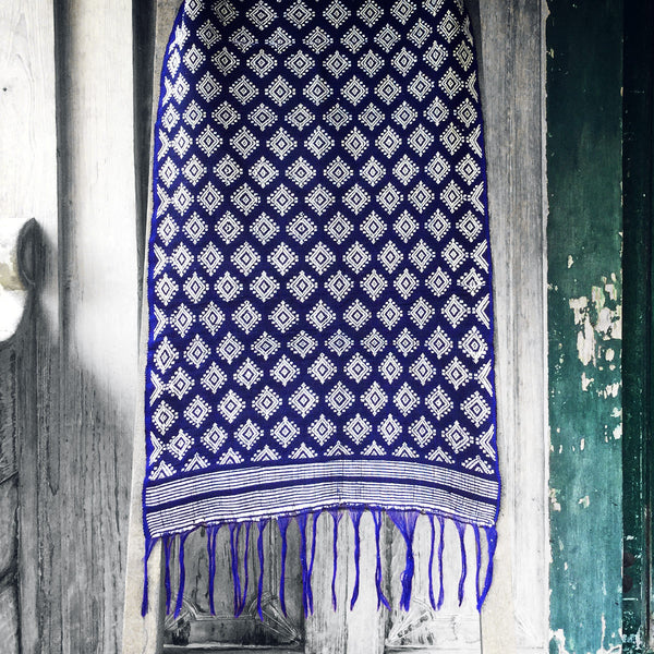 Sumba Table / Bed Runner in Blue & White