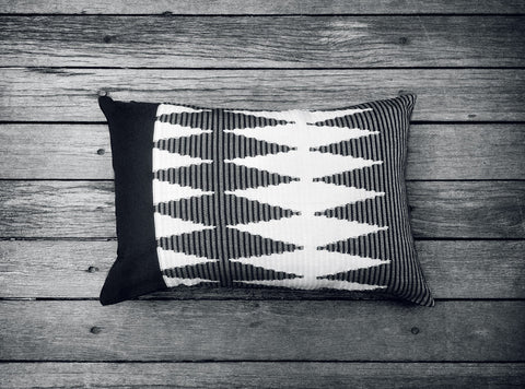 Rangrang Cushion in Black & White