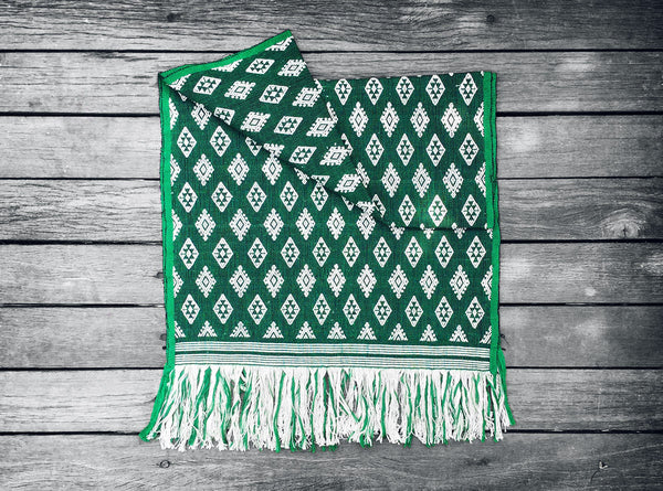 Sumba Table / Bed Runner in Green & White