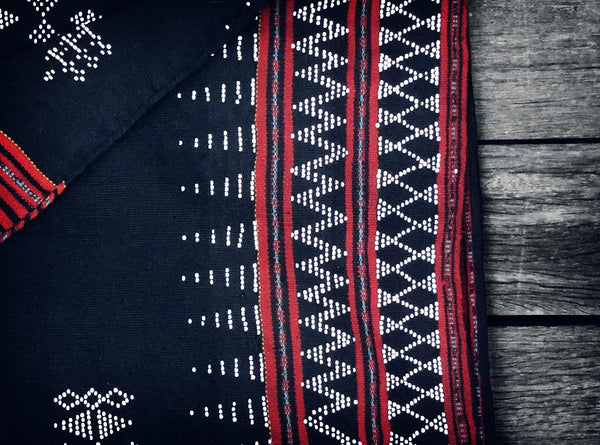 Vintage Katu Throw in Black & Red (Limited edition no.2)