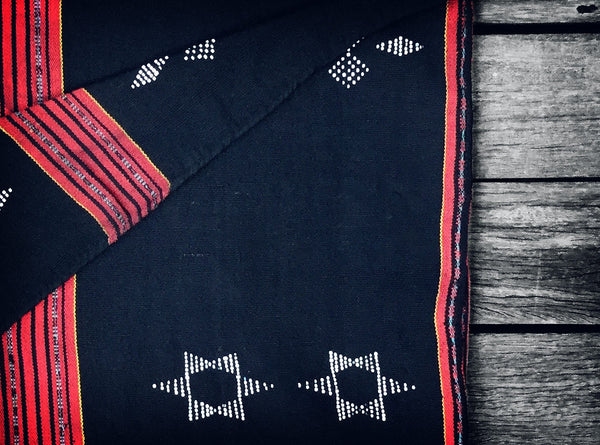 Vintage Katu Throw in Black & Red (Limited edition no.4)