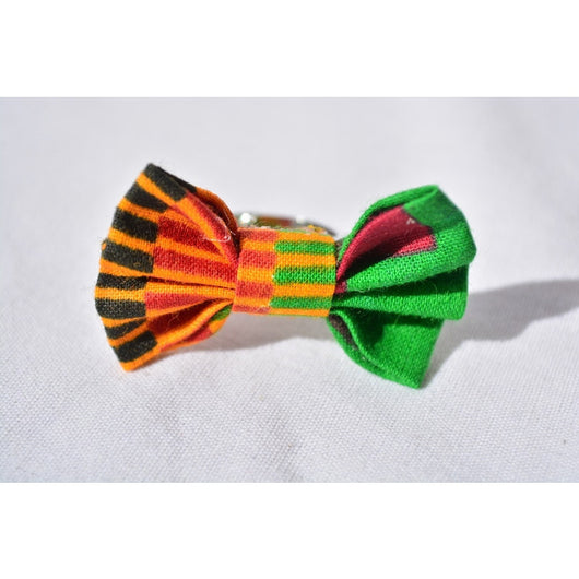 Kente with black bow ring