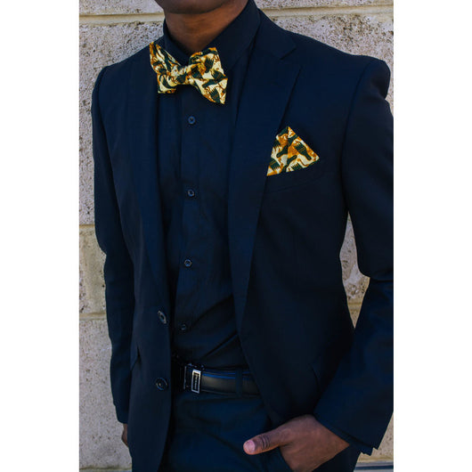 Hunters' feet bowtie and matching pocketsquare (free shipping)