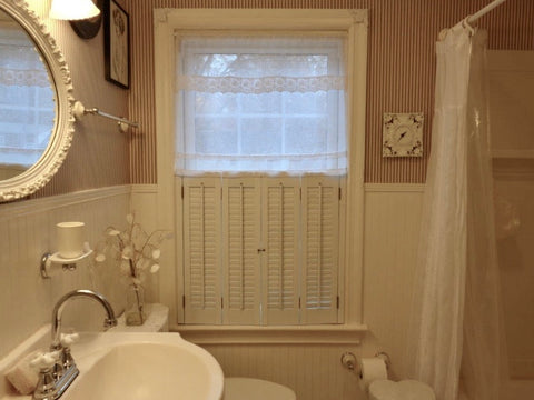 Sheer bathroom curtains