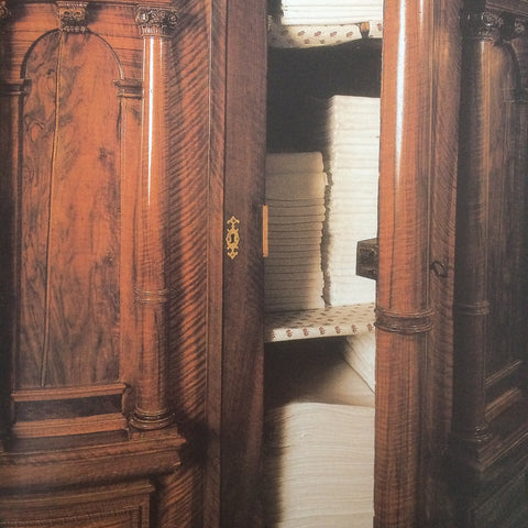 Armoire of French linen Trousseau