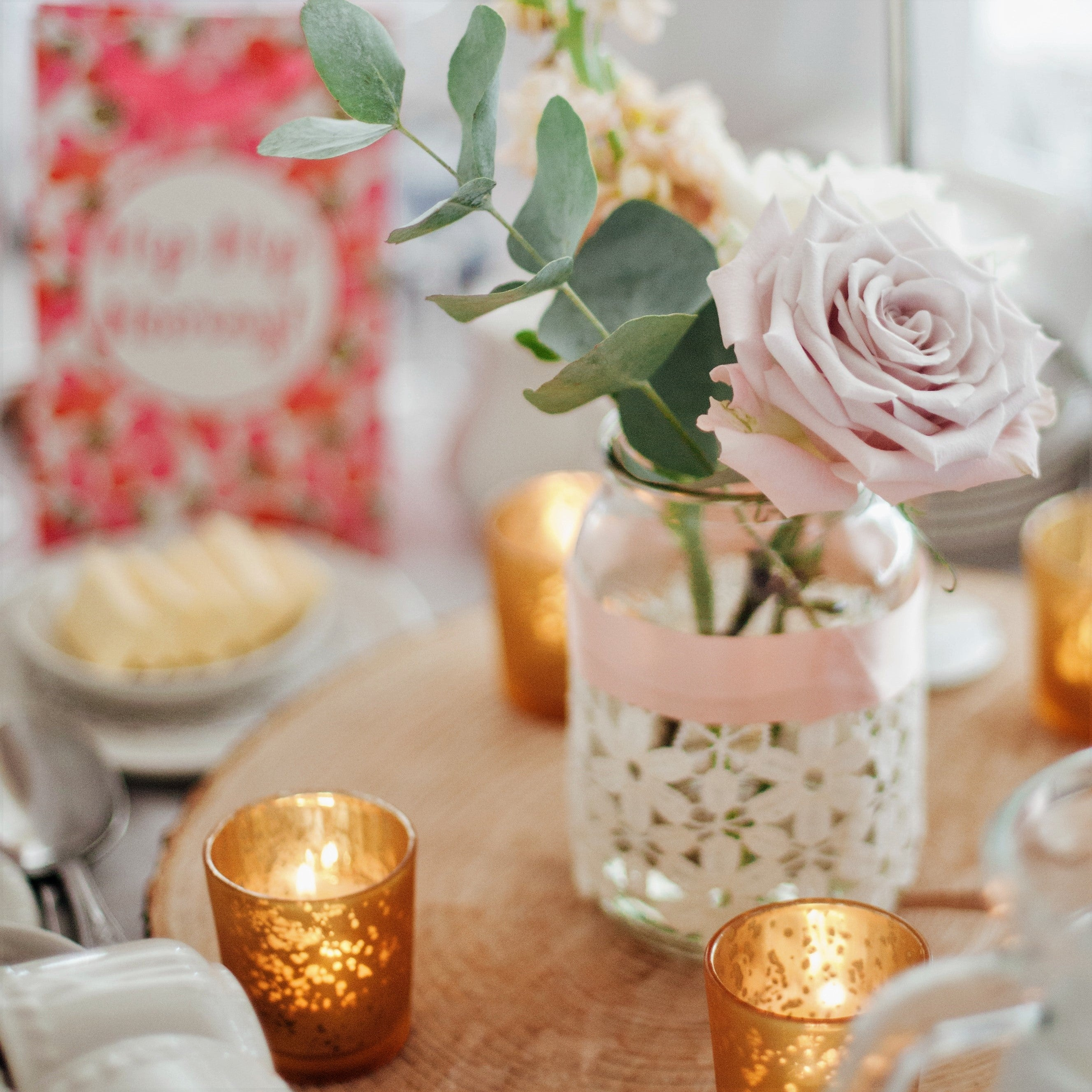 Online delivery of Flowers and Candles - A perfect combo!
