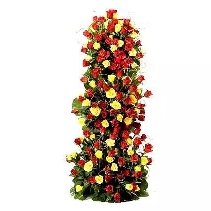 100 Red and Yellow Roses Arrangement - for Online Flower Delivery In India