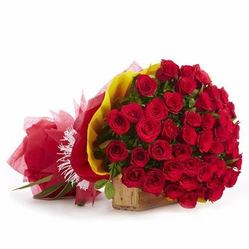 30 Red Roses Premium Bouquet - for Flower Delivery in Send Flowers And Cake To India From Canada
