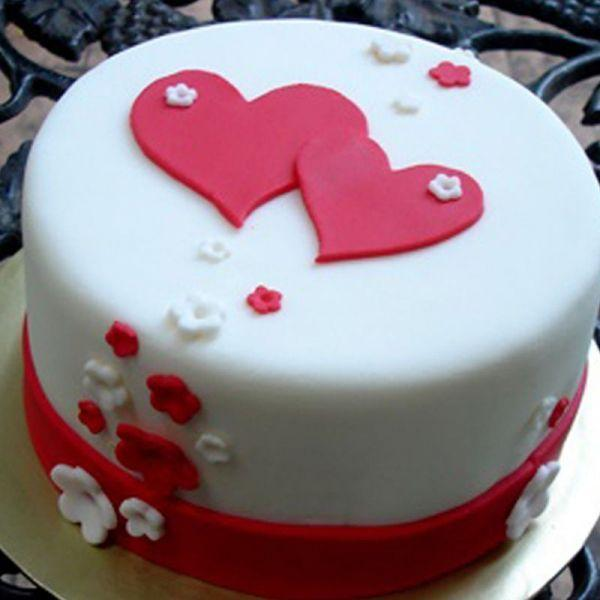 In Love Fondant Cake - Send Flowers to India