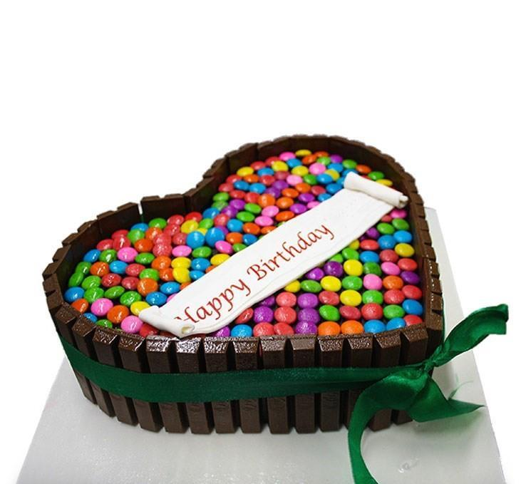 Kitkat Gems Heart Cake - for Midnight Flower Delivery in India