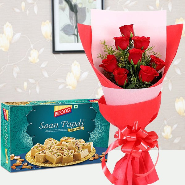 Red Hibiscus Sweet Surprise - for Midnight Flower Delivery in India