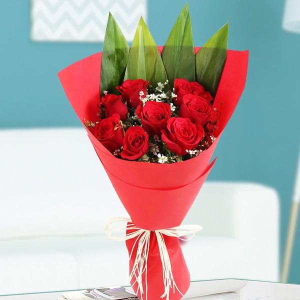Artistic Red Roses - for Flower Delivery in India