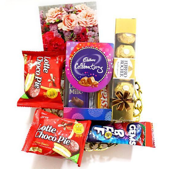 Choco Pie Hamper - for Online Flower Delivery In India