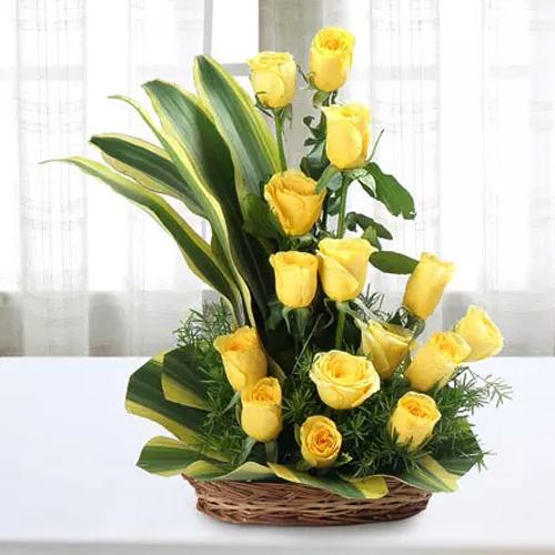 Glamorous Queen-a basket of yellow roses - Send Flowers to India