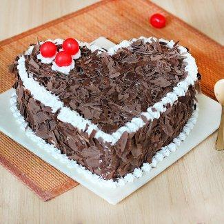 Heart Shape Blackforest cake - for Flower Delivery in India