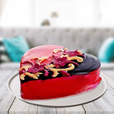 Heart Shape Choco Strawberry Cake - for Flower Delivery in India