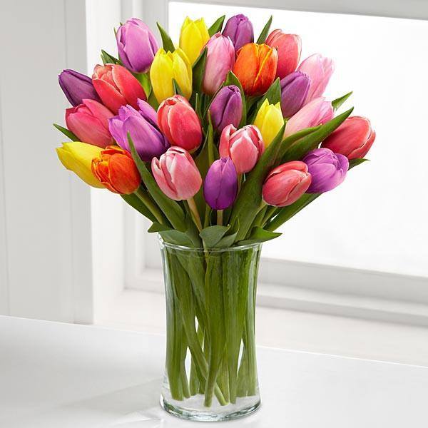 Mixed Tulips In Glass Vase - for Online Flower Delivery In India