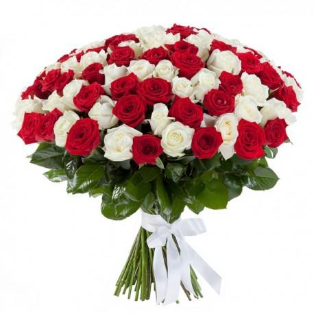 Red And White Treat-bouquet of white and red roses - Send Flowers to India