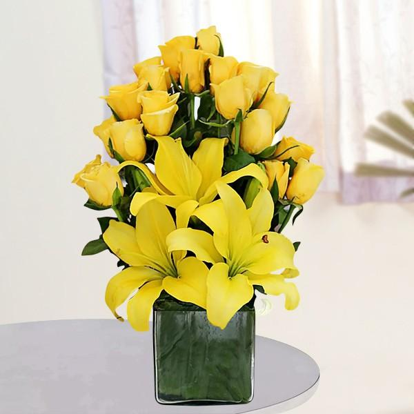 Sunshine Symbol-yellow flower bouquet - for Midnight Flower Delivery in India