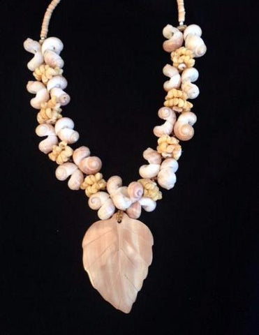 Shell Pendant Necklace 0016