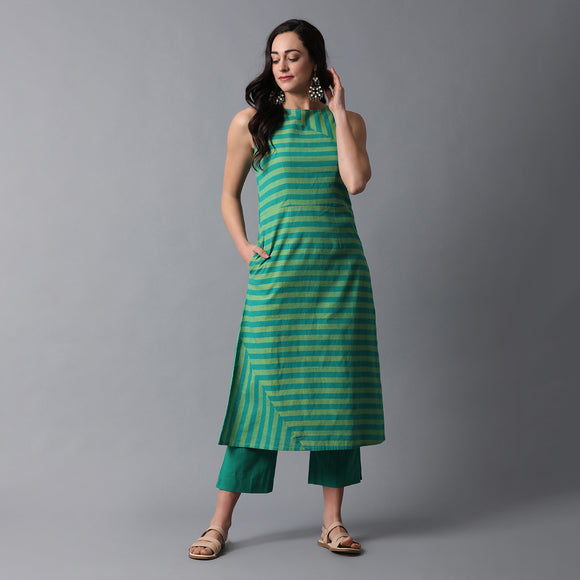 Thick & Thin Striped Single Slit Kurta & Pant Set