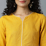 V-notch Neck Semi-Bias Ghera Mangalgiri Zari Checks Kurta