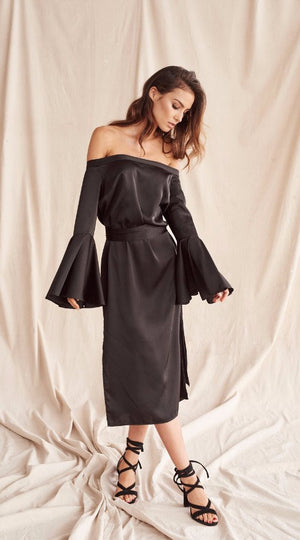MLM Label Linear Shoulder Midi Dress