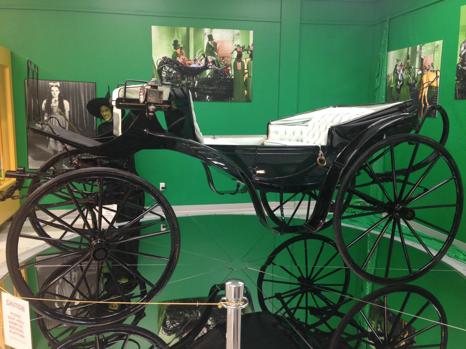 "ORIGINAL ""HORSE OF A DIFFERENT COLOR"" CARRIAGE FROM ""THE WIZARD OF OZ"" (1939)"