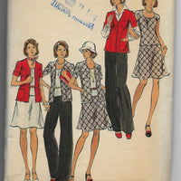 Size 14 - Vintage women 70s Sweater Top Skirt Pants Sewing Pattern Butterick 3581 Uncut