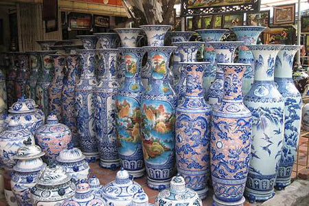 Places to visit near Hanoi - Bat Trang Ceramic Village