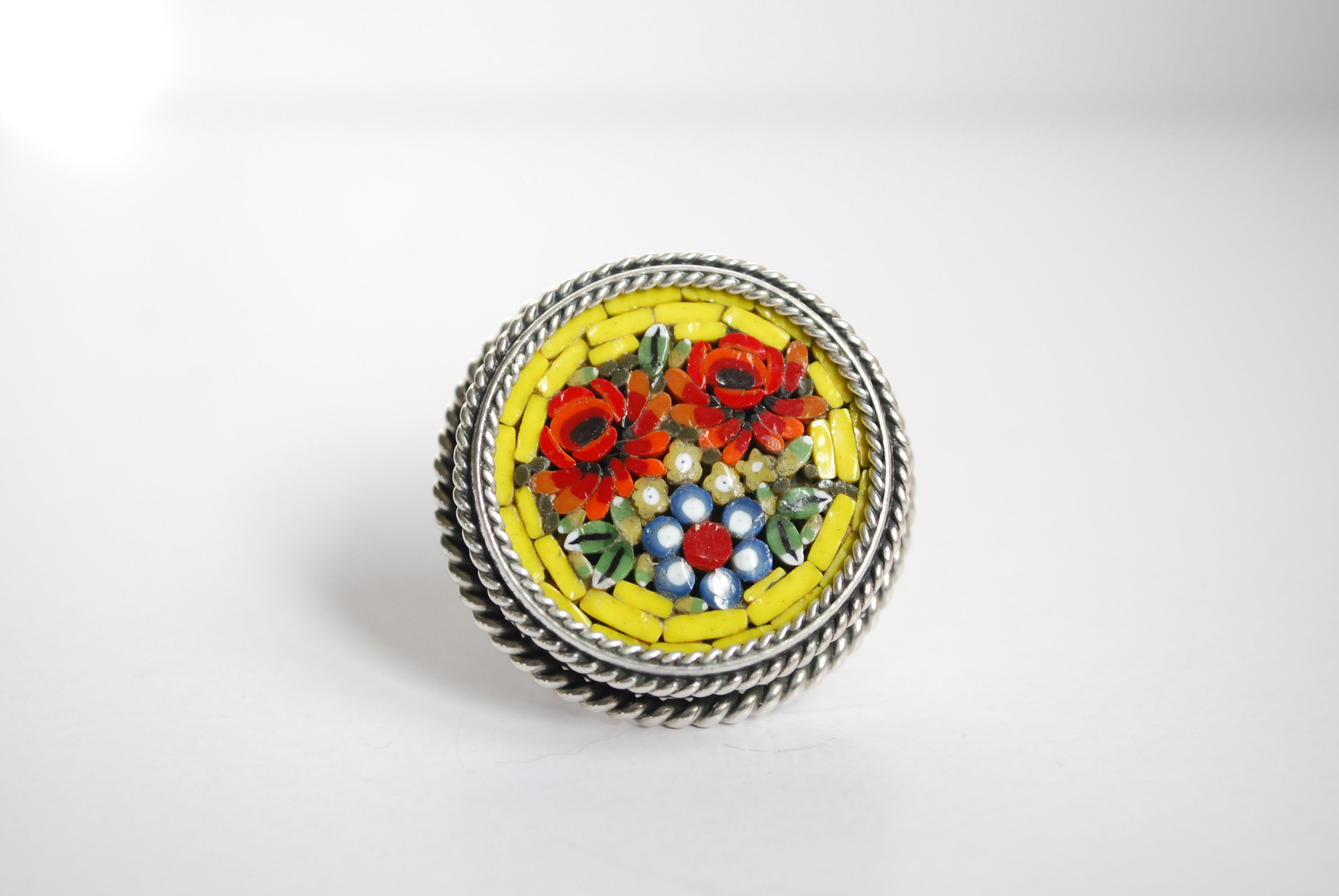 yellow mosaic ring