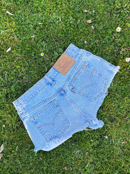 Levi's Vintage 90s Hot Pants Denim Shorts Light Blue - W29