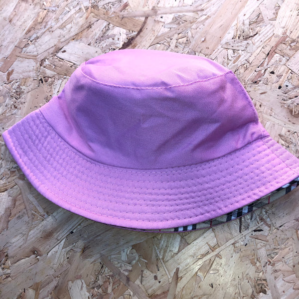 Love Route Unisex Reversible Bucket Hat Pink / Beige Nova Check