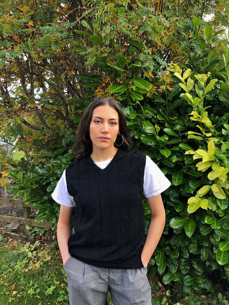 Vintage Sleeveless Sweater Oversized Knitted Vest / Sweater Vest Black